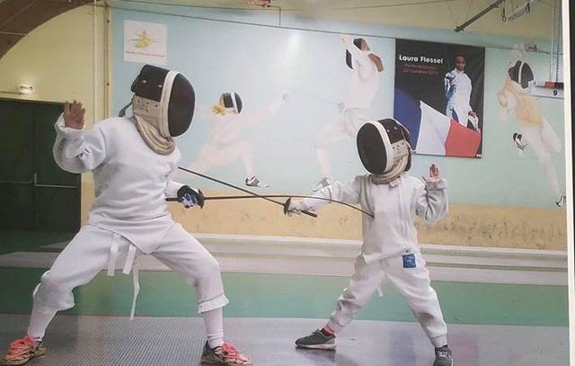 Nam Khang là cậu bé giàu tình cảm, yêu thích thể thao, đặc biệt là môn đấu kiếm.