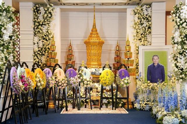 Toàn đội Leicester City có mặt ở Thái Lan để dự lễ tang ông chủ - 10