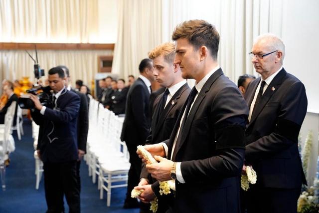 Toàn đội Leicester City có mặt ở Thái Lan để dự lễ tang ông chủ - 6