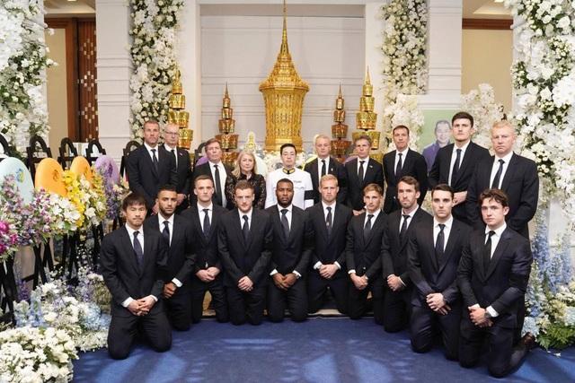 Toàn đội Leicester City có mặt ở Thái Lan để dự lễ tang ông chủ - 9
