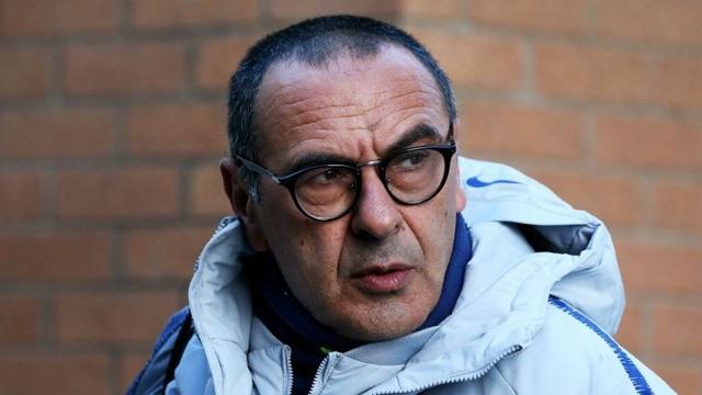 HLV Sarri tỏ ra thận trọng khi nói về chức vô địch Premier League