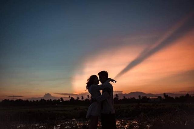 """Giới trẻ thoả sức """"check in"""" hồ sen ở vùng cát trắng Ninh Thuận - 2"""
