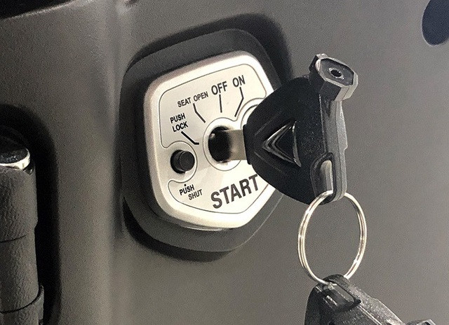 Ổ khóa của chiếc xe điện VinFast Klara