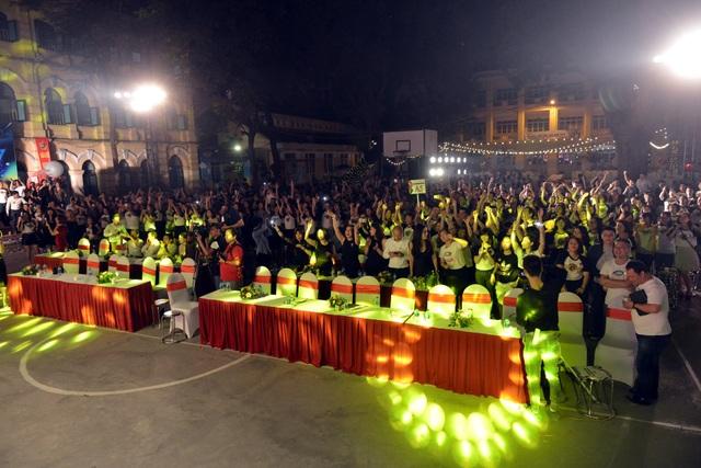 Toàn cảnh buổi hội khóa của cựu học sinh Việt Đức niên khóa 1998-2001.