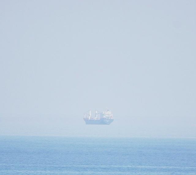 Ai bảo rằng tàu thủy không biết... bay?