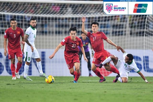 Những chủ nhân đầu tiên nhận vé xem AFF Cup 2018 tại Việt Nam - 1