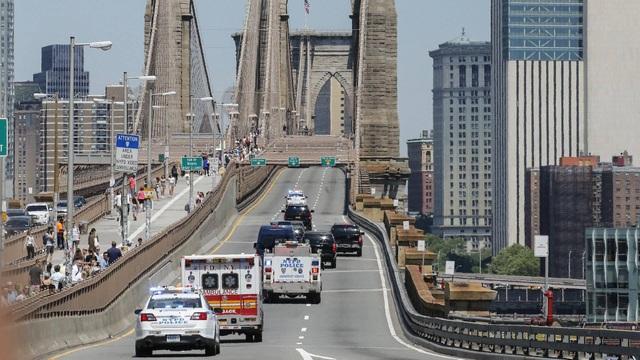 Cầu Brooklyn bị phong tỏa giao thông trong ngày xét xử trùm ma túy (Ảnh minh họa: The Drive)