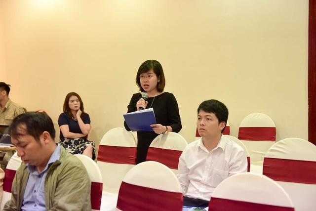 PV Mai Quyên- Đài truyền hình Việt Nam đặt câu hỏi tới Ban tổ chức.