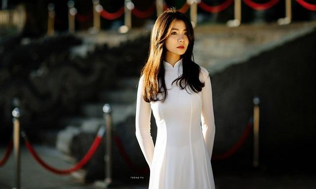 """""""Hot girl áo dài"""" Bắc Ninh lại gây thương nhớ trong bộ ảnh cuối thu - 12"""