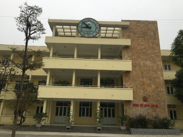 Trường THPT chuyên Lam Sơn, thành phố Thanh Hóa, tỉnh Thanh Hóa.