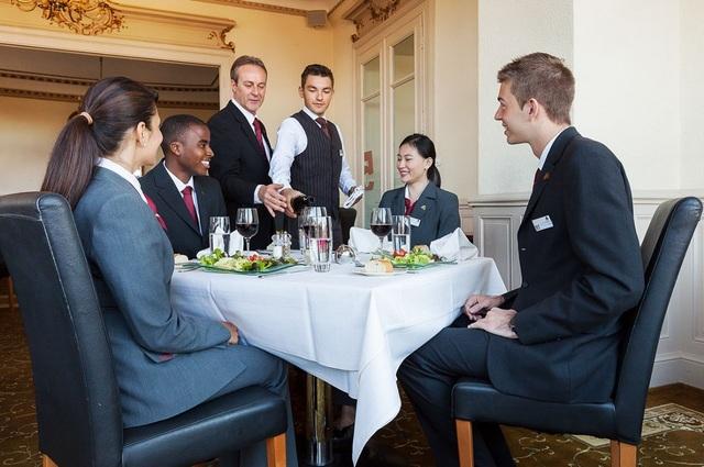 Ngành Quản trị Khách sạn và Ẩm thực đang trở nên nóng hơn bao giờ hết khi du lịch và công nghiệp dịch vụ đang không ngừng phát triển