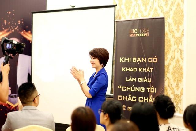 """CEO Tạ Kim Cúc: Từ bán hàng online thành CEO công ty mỹ phẩm Top đầu: """"Sản phẩm phải xuất phát từ tâm"""" - 2"""