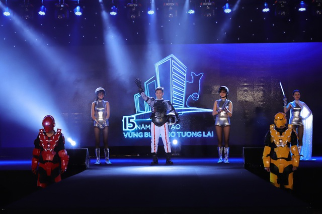 Ông Dương Quốc Tuấn, TGĐ Tập đoàn Austdoor tại giây phút quan trọng của sự kiện
