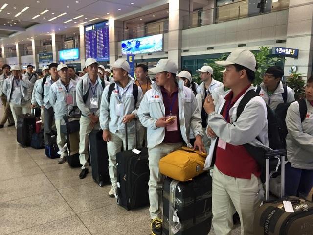Hơn 14.500 lao động Việt Nam đi làm việc ở nước ngoài trong tháng 10 - 1