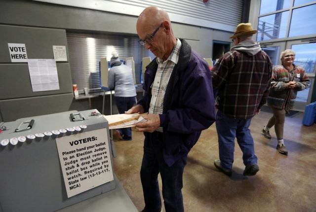 Sự cố với máy bỏ phiếu xảy ra ở ít nhất 12 bang. (Ảnh: Reuters)