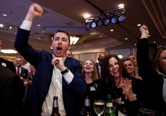 Bầu cử giữa kỳ Mỹ: Tổng thống Trump chúc mừng đảng Dân chủ giành lại Hạ viện - 9