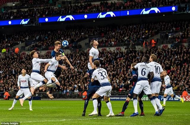 PSV Eindhoven sau thất bại này đã hết cơ hội đi tiếp ở Champions League