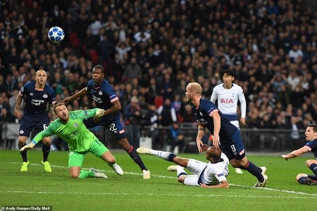 Tottenham chơi áp đảo hơn và phung phí khá nhiều cơ hội