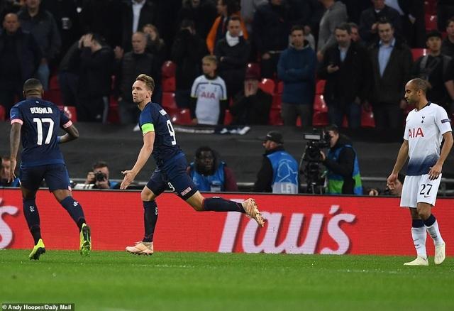 PSV Eindhoven tưởng như đã có thể gây bất ngờ ở đầu trận
