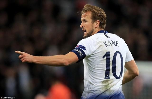 Kane ăn mừng bàn thắng gỡ hòa 1-1 ở phút 78