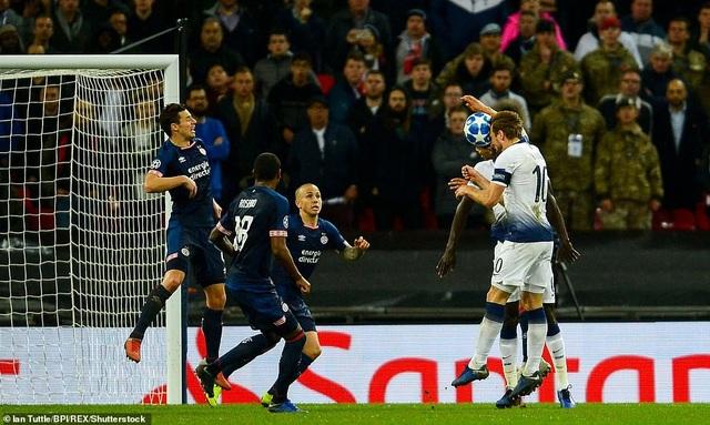 Harry Kane ghi bàn ấn định chiến thắng 2-1 ở phút 89