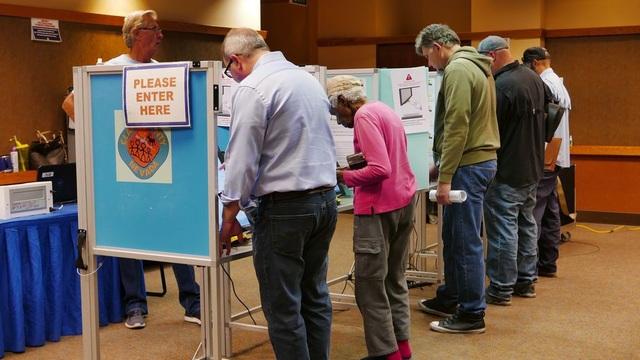 Ngoài những cử tri bỏ phiếu ngày 6/11, nhiều cử tri đã bỏ phiếu sớm trước đó. (Ảnh: An Bình)