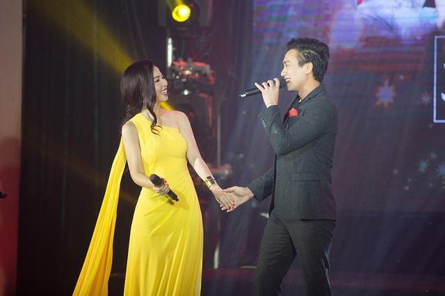 Thành công mang đến cho đêm diễn ngoài sự cổ vũ nhiệt tình của các khán giả còn nhờ chính các ca sĩ tham gia gồm: Dương Quốc Hưng.