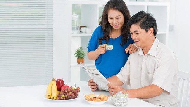 Người Việt đang có xu hướng mua bảo hiểm nhân thọ nhằm tích luỹ tài chính - 1
