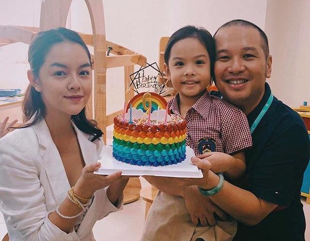 Như đã chia sẻ, điều quan trọng nhất của cả hai vẫn là con cái, mới đây mới đây cặp đôi Phạm Quỳnh Anh - Quang Huy vẫn cùng nhau tổ chức sinh nhật tròn 6 tuổi cho con gái Tuệ Lâm.