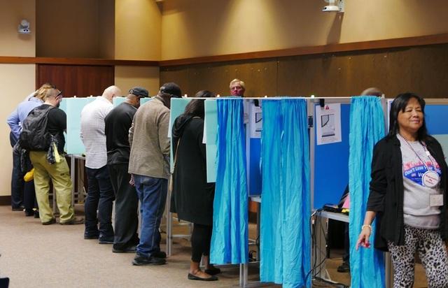 Cử tri Mỹ đi bỏ phiếu bầu cử giữa kỳ ngày 6/11