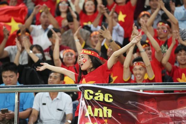 Lào 0-3 Việt Nam: Công Phượng, Quang Hải lập công - 29