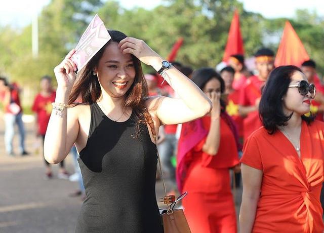 Lào 0-3 Việt Nam: Công Phượng, Quang Hải lập công - 31