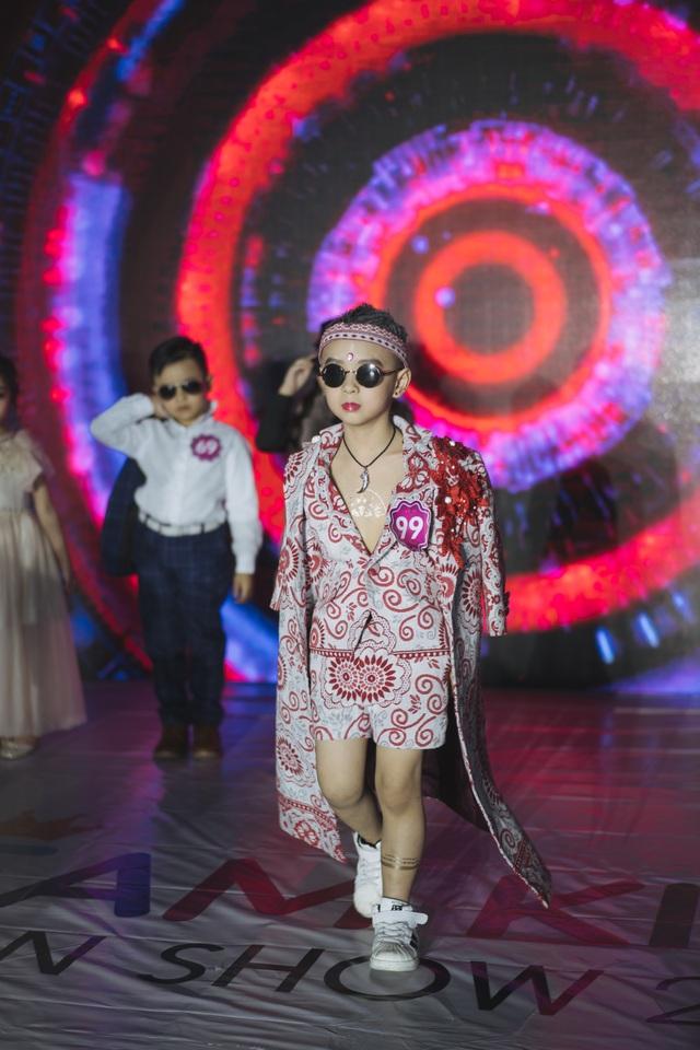 """Với ước mơ làm """"siêu nhân"""" thí sinh Đào Minh Hải đã thể hiện một cách xuất sắc thông qua trang phục và make – up"""