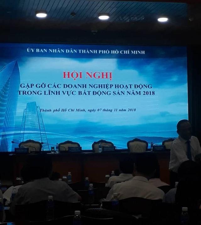 Chủ tịch UBND TPHCM Nguyễn Thành Phong và lãnh đạo các sở, ngành đã có buổi gặp gỡ với với hơn 200 doanh nghiệp đầu tư, kinh doanh bất động sản trong và ngoài nước trên địa bàn