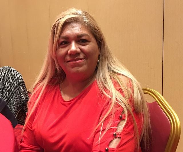 Cô Elvira, một người Mỹ gốc Mexico