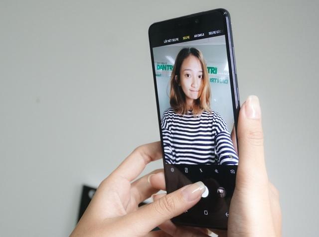 Trên tay smartphone 4 camera đầu tiên trên thế giới tại Việt Nam - 6