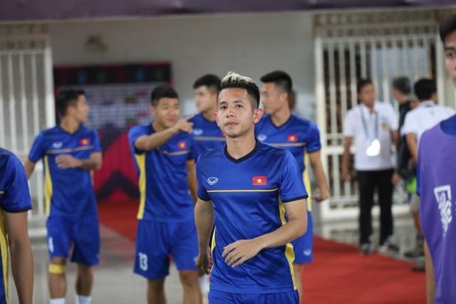 Cầu thủ đá cánh Nguyễn Phong Hồng Duy