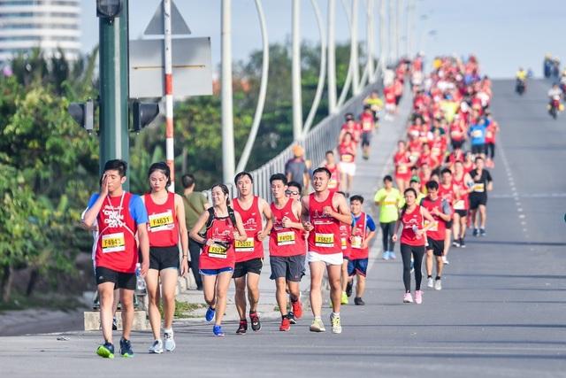 Dàn sao chạy marathon 'đọ' sức bền - 1