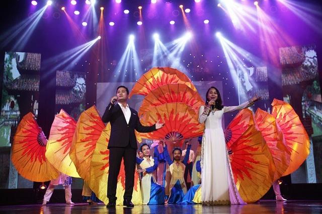 Hình ảnh trong chương trình Tình yêu Hà Nội năm 2017.