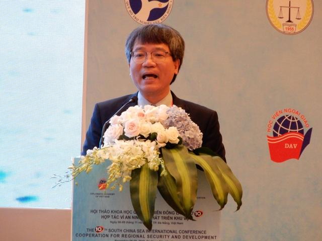 PGS.TS Nguyễn Vũ Tùng, Giám đốc Học viện Ngoại giao Việt Nam phát biểu tại hội thảo