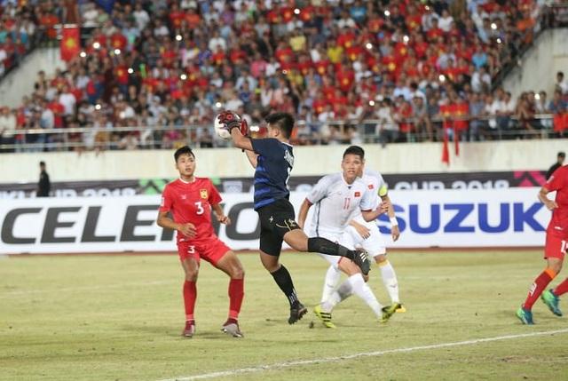 Thủ môn Paseuth đã chơi hay, nhưng không thể giúp Lào tránh được những bàn thua