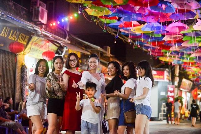 """Vẻ đẹp của làng nghề được nhiều người ví như """"Hội An thứ 2 ở Hà Nội"""""""