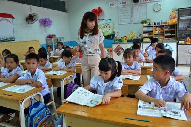 Hơn 160.000 giáo viên tiểu học sẽ được nâng chuẩn. (Ảnh: Tấn Thạnh)
