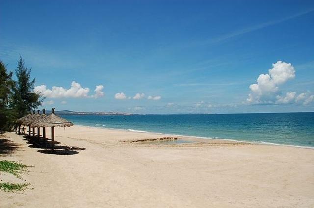 Mũi Né với biển xanh, nắng vàng, tiềm năng du lịch lớn