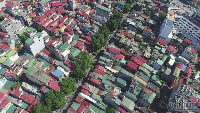 Dự án cũng sẽ mở các ngõ ngang theo quy hoạch năm 1999 tại ngõ 879 Đê La Thành (dốc bệnh viện Nhi Trung ương) và đường vào bệnh viện Phụ sản Hà Nội
