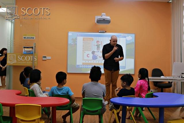 Mô hình lớp học hiện đại chuẩn quốc tế hàng đầu Việt Nam tại Scots English Hoàng Quốc Việt.