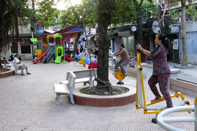 Một khu vui chơi mới được cải tạo tại khu tập thể Kim Liên (quận Đống Đa).