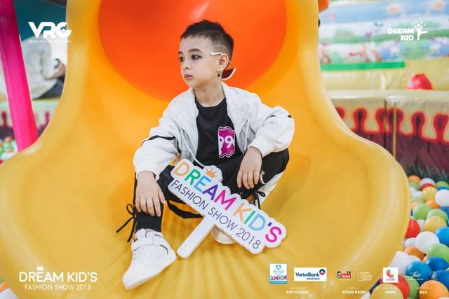 Cậu bé Đào Minh Hải cá tính với phong cách rất riêng