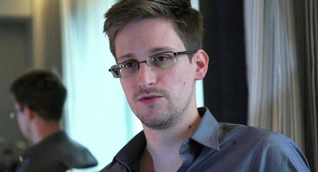 Kẻ lộ mật Edward Snowden (Ảnh: Reuters)