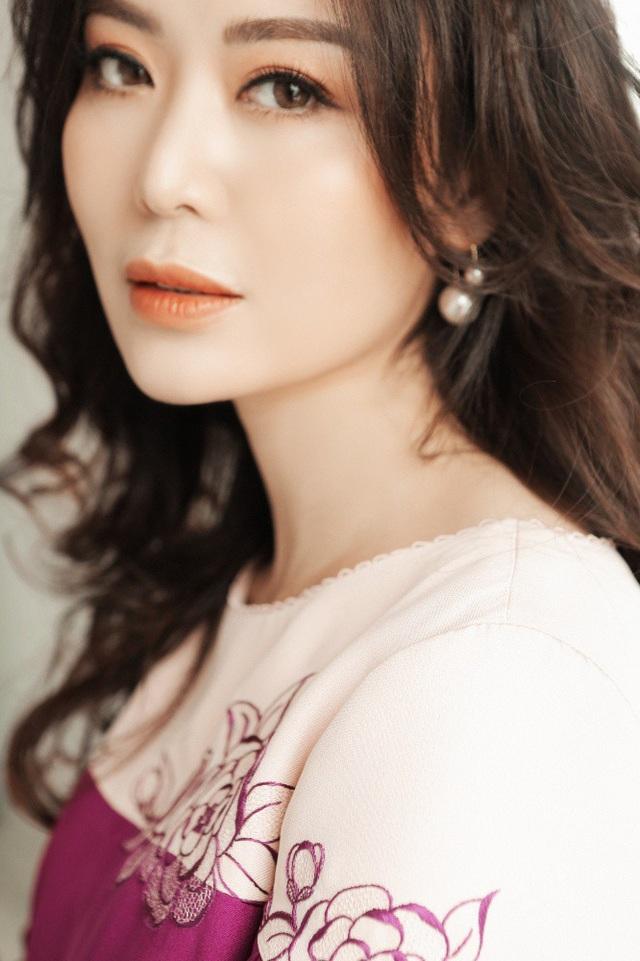 Hoa hậu Thu Thủy vừa bước sang tuổi 43. Cô cho biết, những năm gần đây cô đón sinh nhật một cách rất bình lặng và ấm áp.
